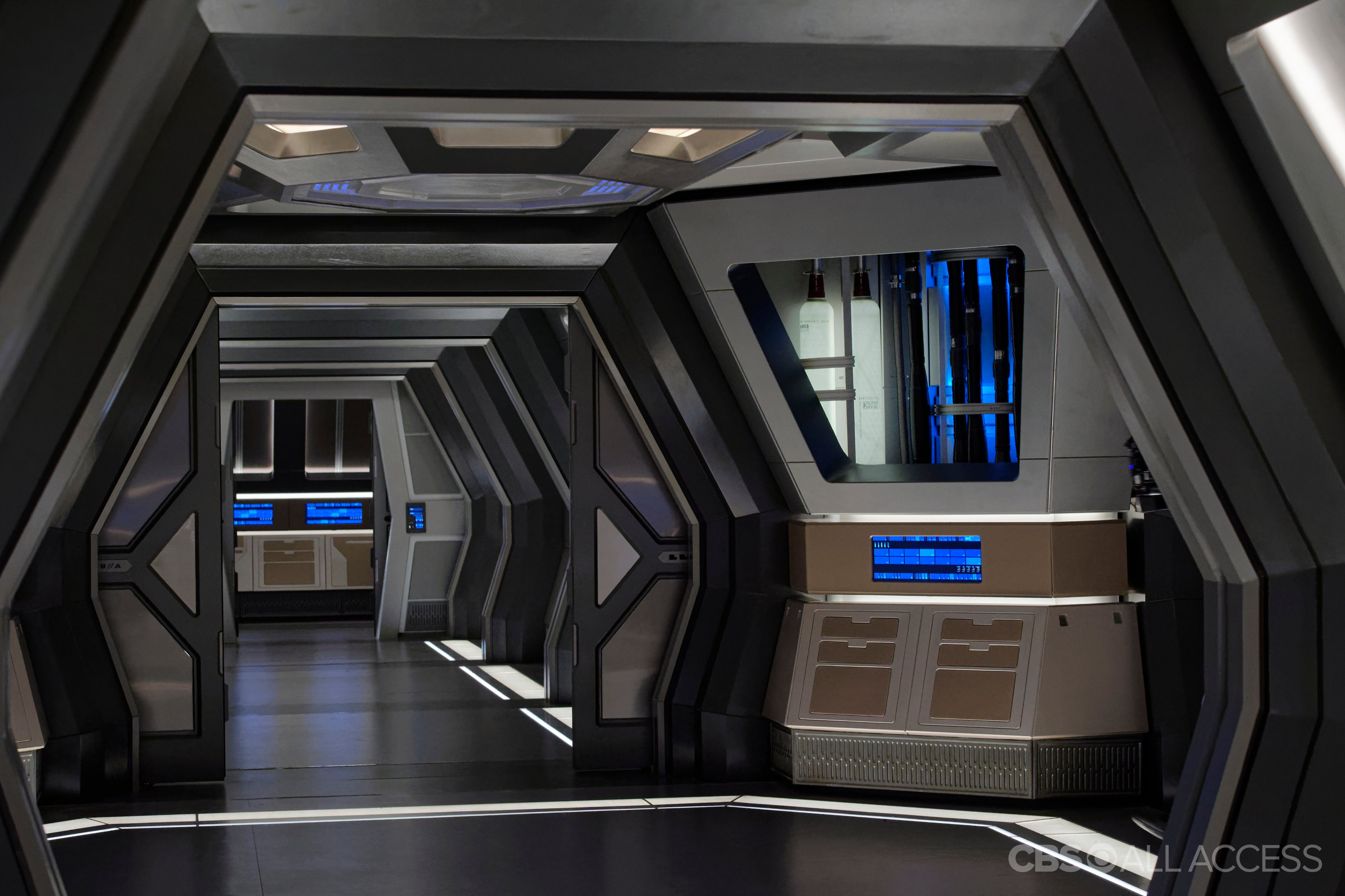 Star Trek Discovery - Hallway inside a spaceship